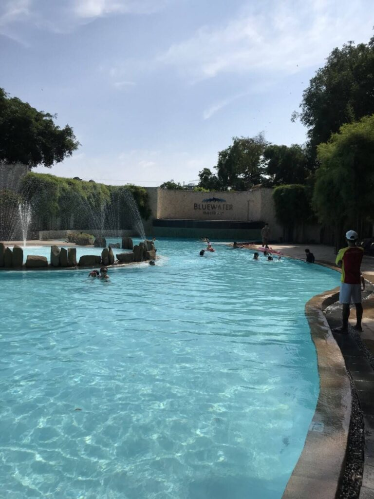 Bluewater Maribago プール