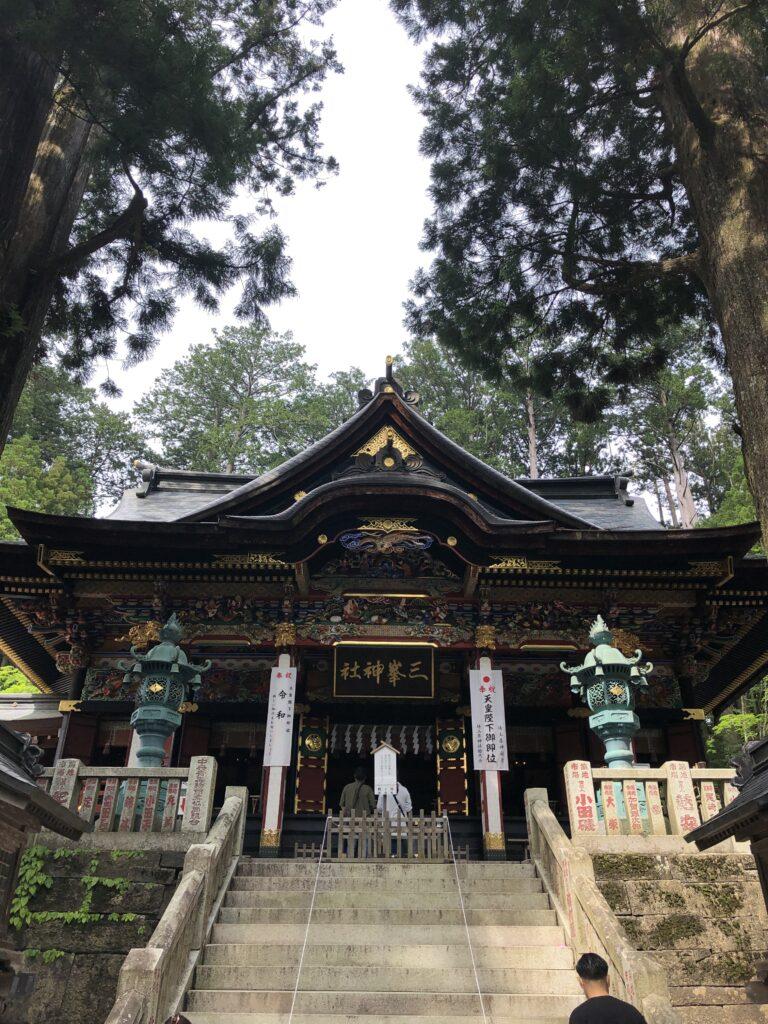 三峯神社 埼玉県秩父市 拝殿 本殿