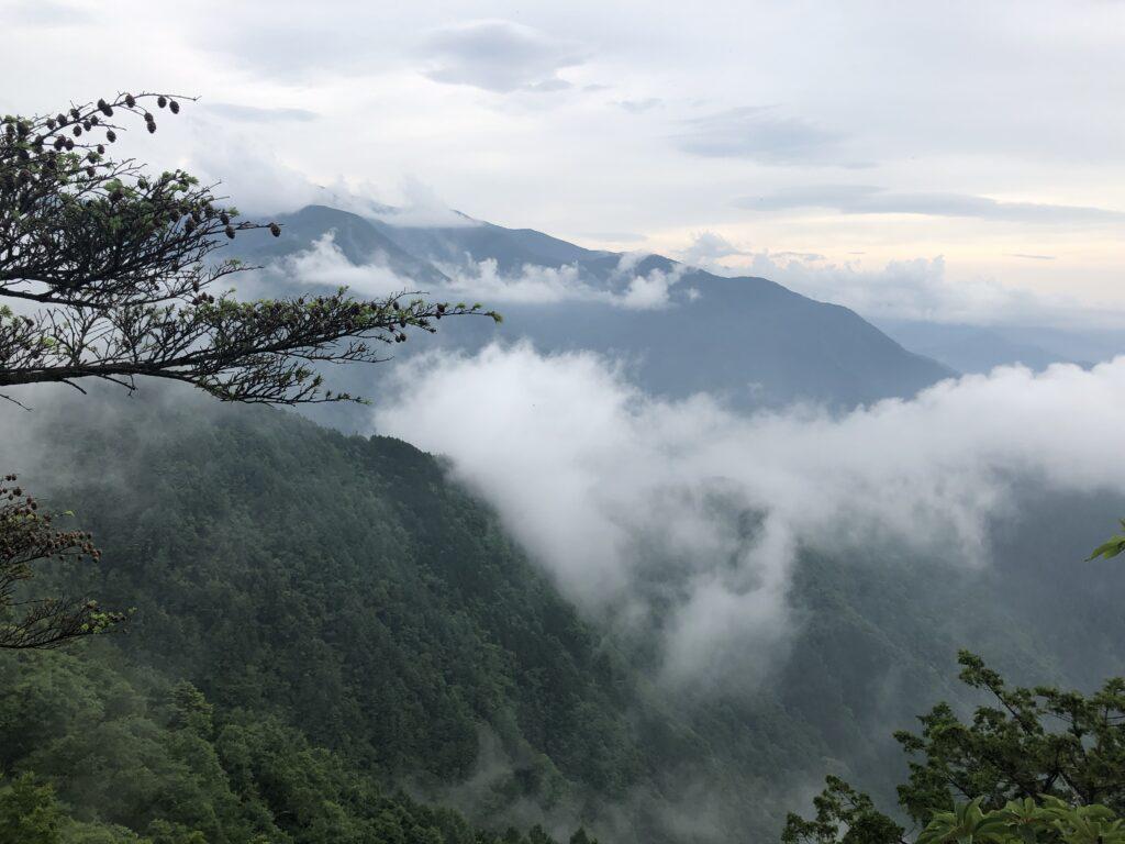 妙法ヶ岳 標高1329m 三峯神社 奥宮 登山道 山頂