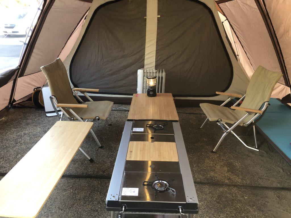 大子広域公園オートキャンプ場 グリンヴィラ ファミリーキャンプ スノーピーク ランドロック IGTテーブル  スノーピーク IGTフレームロング(CK150)+400脚セット(CK-11) ギガパワー プレートバーナー ステンボックス ハーフユニット(CK-025)x2とウッドテーブル S竹(CK-125TR)  ワンアクションローテーブル竹(LV-100TR)、ローチェア30 カーキ(LV-091KH)</p>  フォールディングシェルフウッドトップロング竹 (LV066T)