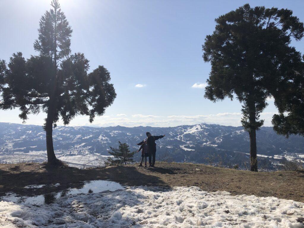 新潟県南魚沼市 坂戸山 かたくり群生地 登山 山頂634m