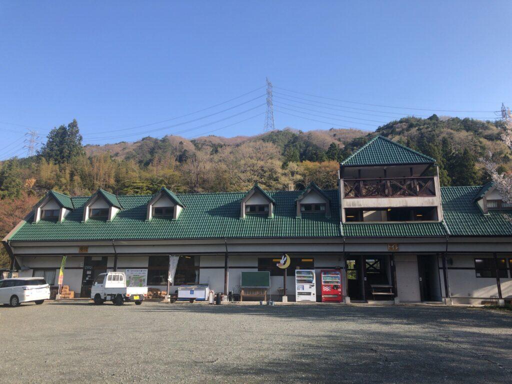 ファミリーオートキャンプ場そうり 沢入 日本オートキャンプ協会認定 お花見キャンプ 管理棟