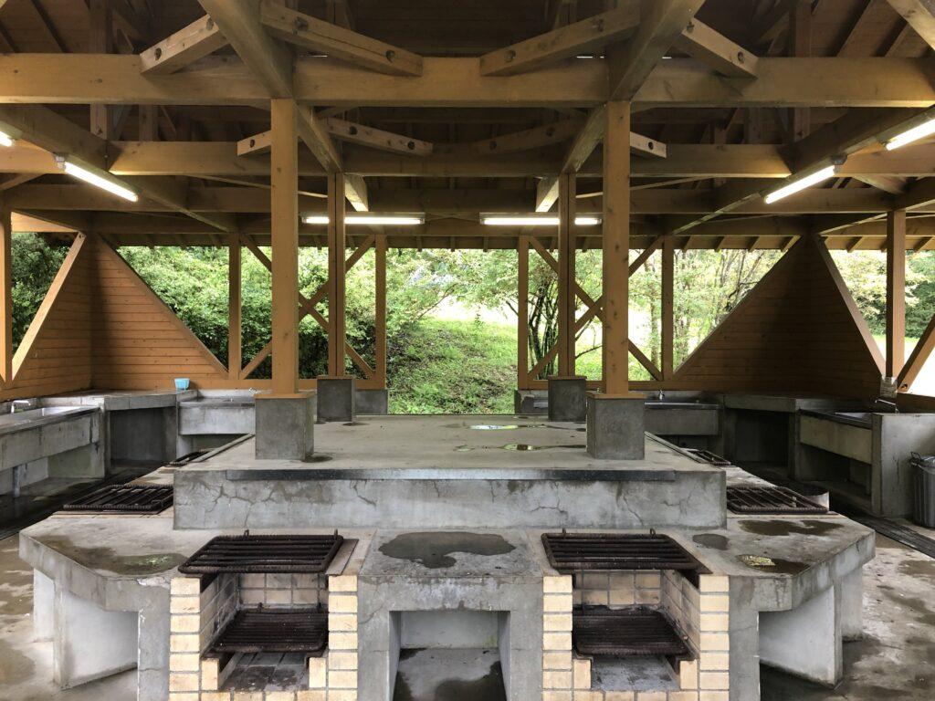 静岡県富士宮市 富士山が目の前に見えるキャンプ場  田貫湖キャンプ場 炊事場
